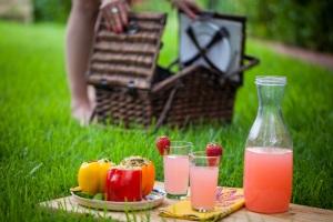 picnic basket food drink